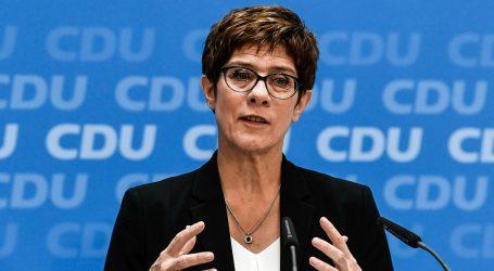 Predsjednica njemačke konzervativne stranke zamijenit će Von der Leyen na dužnosti ministra obrane