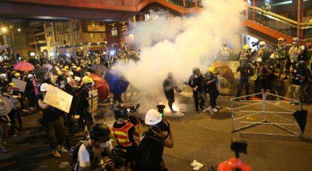 Nezadovoljstvo raste u Hong Kongu nakon grubih napada na prosvjednike