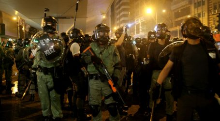 Prosvjednici u Hong Kongu prekinuli željeznički promet u jutarnjim satima najveće gužve