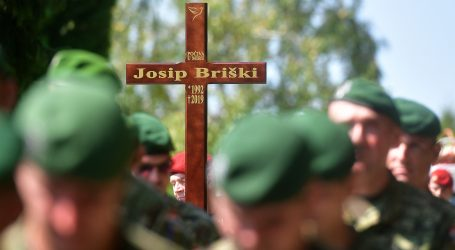 Josip Briški pokopan uz najviše vojne počasti