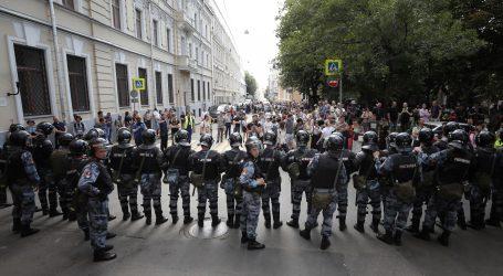 Prosvjednici blokirali jednu od ključnih prometnica u Moskvi