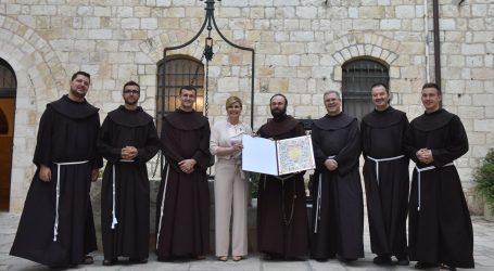 Predsjednica Franjevcima u Jeruzalemu uručila Povelju RH