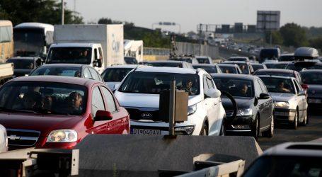 Pojačan promet povremeno na gradskim prometnicama i cestama u smjeru mora