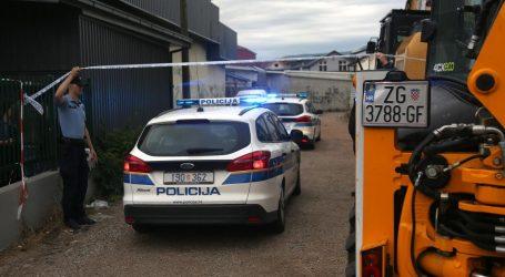 Iseljenje mještana iz Plinarskog naselja, na terenu puno policije