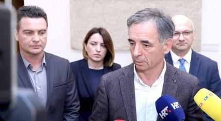 """PUPOVAC: """"Zašto se u RH na Srbe primjenjuje politika izvanrednog stanja?"""""""