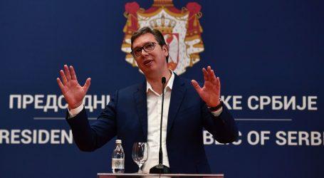 """VUČIĆ NA IZVANREDNOJ KONFERENCIJI: """"Japanski gigant odabrao Srbiju za svoju novu investiciju"""""""