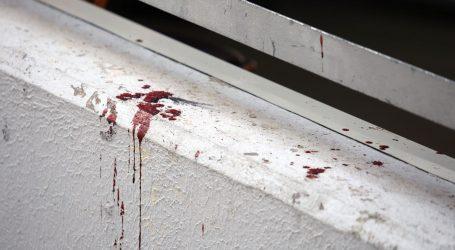 Muškarac teško ozlijeđen na Bačvicama zadržan u splitskoj bolnici