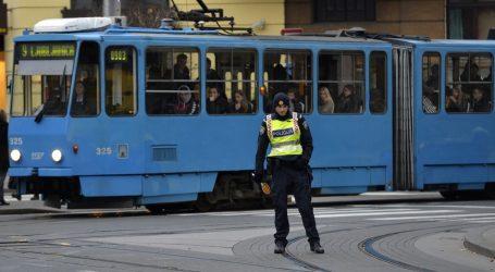 Nesreća u Zvonimirovoj: Tramvaj naletio na pješakinju, prevezena je u bolnicu