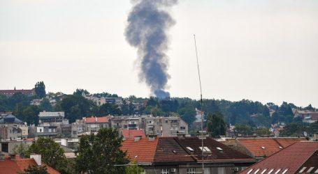 Izbio požar kod Mirogoja, vatrogasci ga stavili pod kontrolu