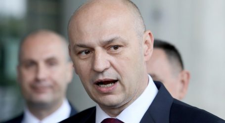 KOLAKUŠIĆ 'U Europskom parlamentu ostajem dok ne budem izabran za predsjednika RH'