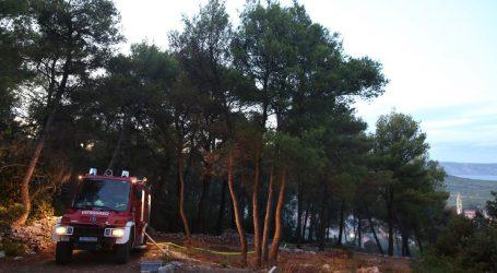 Lokaliziran požar na Hvaru