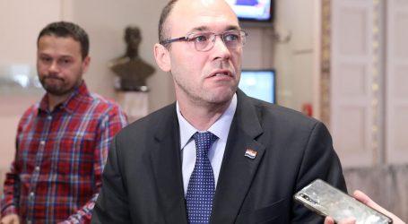"""Stier: """"Hadezeovac nije drugom hadezeovcu neprijatelj, glavni suparnik je SDP i ljevica"""""""