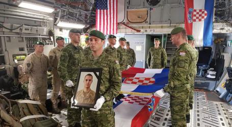 Tijelo poginulog hrvatskog vojnika Josipa Briškog stiglo u Zagreb
