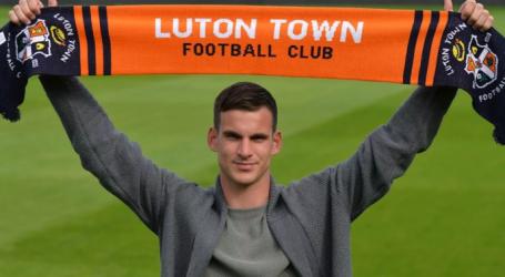 PRIJELAZNI ROK: Luton Town u rekordnom transferu doveo Simona Slugu