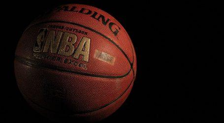 NBA: DeMarcus Cousins uz Jamesa i Davisa u Lakersima