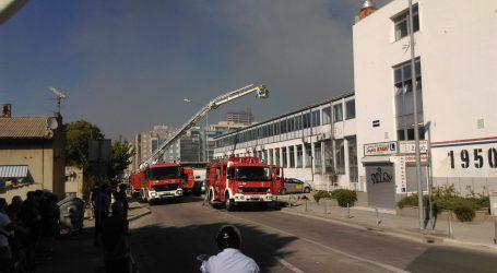 FOTO Lokaliziran požar u skladištu Slobodne Dalmacije