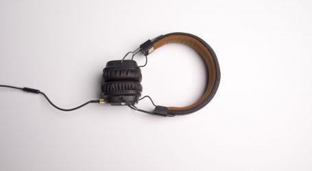 NE GNJAVI ME: Istraživanje pokazalo zašto ljudi nose slušalice
