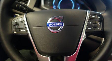 Volvo povlači milijun vozila zbog opasnosti od požara