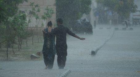 Broj mrtvih u monsunskom kaosu u Indiji premašio 150