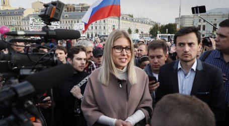 Ruski policajci priveli oporbenu aktivistkinju Ljubovu Sobol