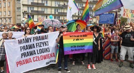 "Nadbiskup Krakova LGBT pokret nazvao ""duginom kugom"
