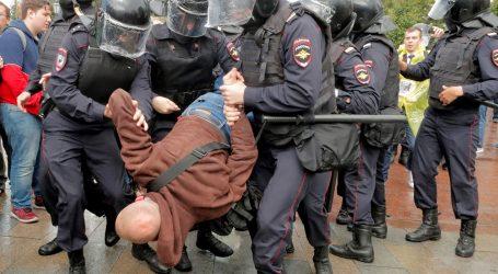 Ruska policija privela gotovo 700 prosvjednika