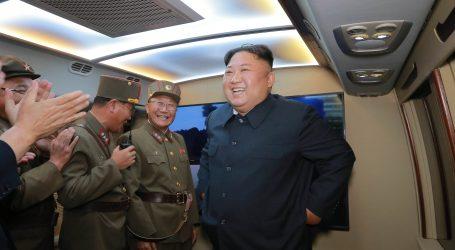 Sjeverna Koreja poručila da nema razgovora s Južnom Korejom dok ne završe vojne vježbe s Amerikancima