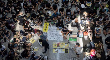 Prosvjed u zračnoj luci u Hong Kongu