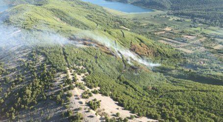 Airtractor HRZ-a natapa požarište kod Skradina