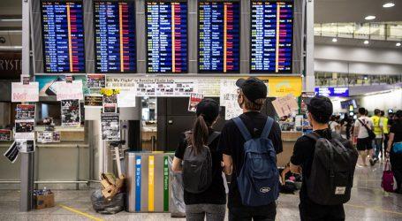Zračna luka u Hong Kongu ponovno obustavila prijave leta, prosvjednici zaposjeli aerodrom