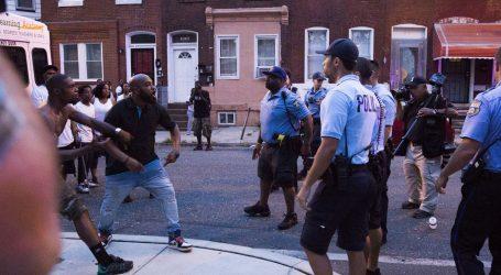 SWAT tim oslobodio policajce zarobljene u kući u Philadelphiji