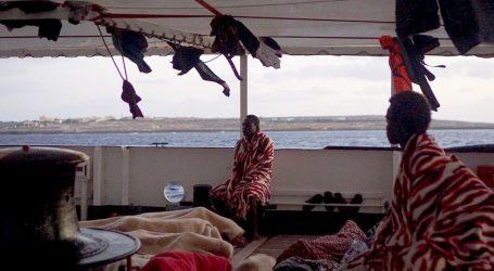 Italija kaže da je šest zemalja EU-a spremno prihvatiti ilegalne migrante s broda Open Armsa