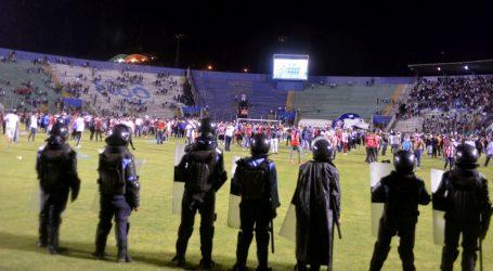 Tri mrtva u sukobima navijača na nogometnom stadionu u Hondurasu