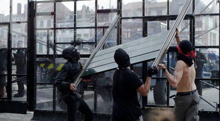 Francuska policija suzavcem i vodenim topovima na prosvjednike protiv G7