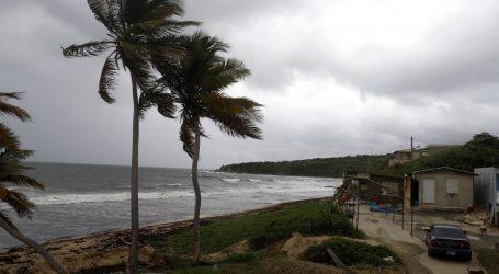 Stanovnici Floride pripremaju se za dolazak uragana