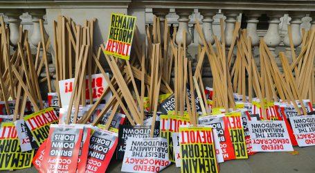 """Britanci prosvjeduju protiv """"državnog udara"""" premijera Johnsona"""