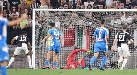 LUDA UTAKMICA U TORINU: Juventus prosuo 3:0, slavio autogolom u sudačkoj nadoknadi
