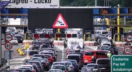Gust promet u smjeru mora, kilometarske kolone na naplatnim postajama