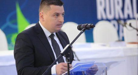 ČIČAK 'Političarima općine ne plaćaju gaže, pa tako ni Škori'