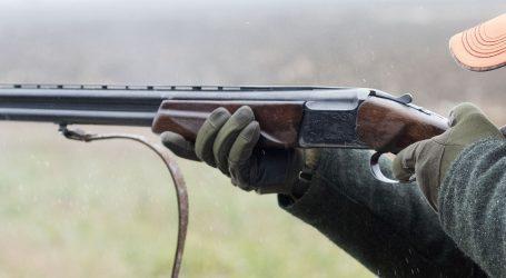Nonšalantni lovac zamalo ubio kolegu iz lova