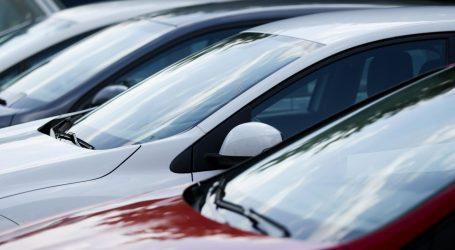 PAKLENE TEMPERATURE: U parkiranom automobilu u Zagrebu izmjeren 81 stupanj