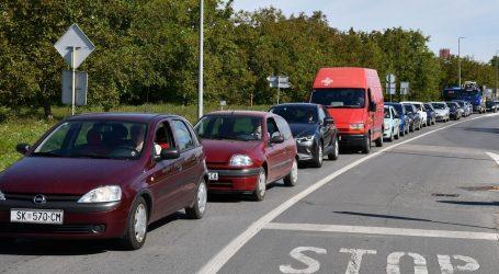 HAK: Pojačan je promet na većini cesta u smjeru unutrašnjosti, u priobalju