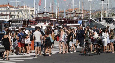 SPLIT: Više turista odlazi, no što ih dolazi