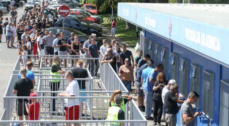 Gužva pred Maksimirom, brojni navijači kupuju ulaznice za Rosenborg