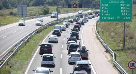 Pojačan promet na većini cesta u smjeru mora i unutrašnjosti, prometne nesreće usporavaju promet