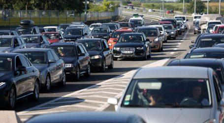 HAK: Pojačan promet na svim važnijim cestama