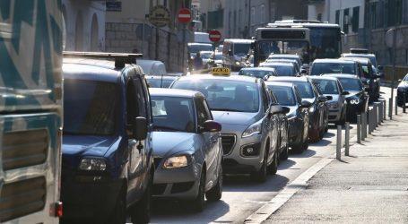 JEDNA OSOBA OZLIJEĐENA: Teška prometna nesreća izazvala prometni kaos u Splitu