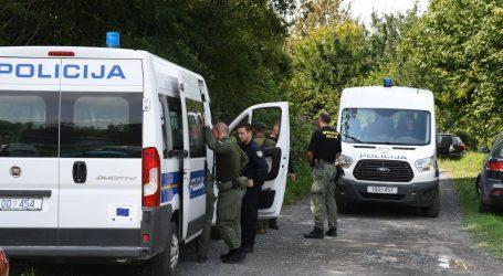 Policija intenzivno traga za krijumčarem migranata, na Bajakovu privedene tri osobe