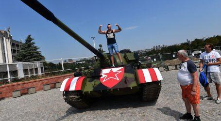 "BEOGRAD Vučić komentirao tenk Delija i traktor BBB-a ""Razumijem Hrvate"""
