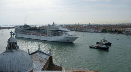 Venecija zabranjuje kruzerima ulazak u povijesno središte grada